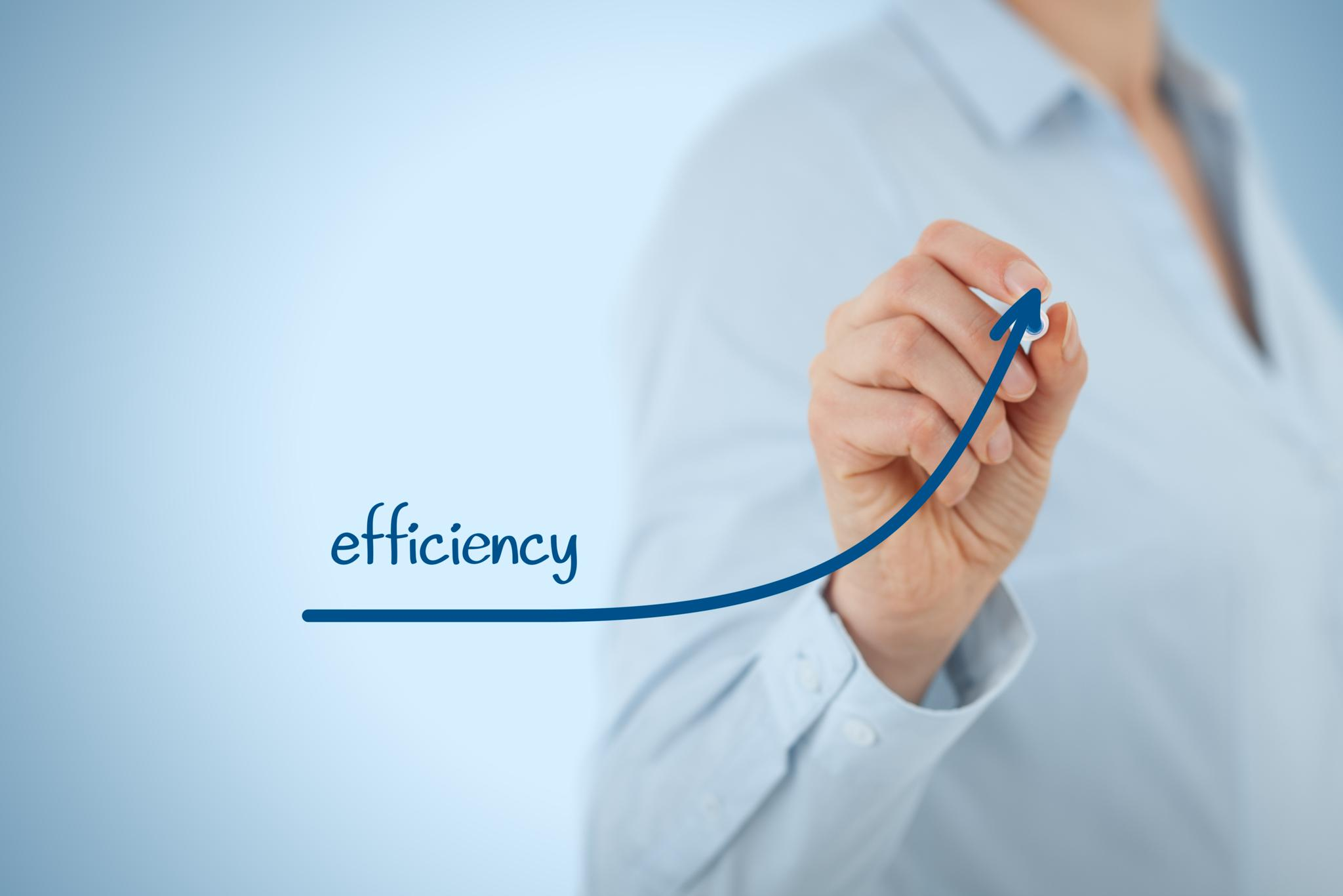 Manager (businesswoman coach leadership) plan to increase efficiency.